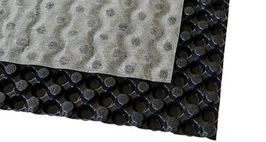 DubbleDrain 8.1 : membrane de drainage à excroissances à double surface avec lame d'air et géotextile non tissé