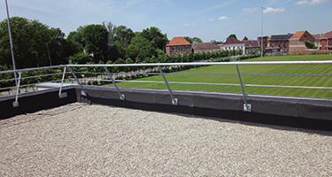 De grote grindplaat voor platte daken