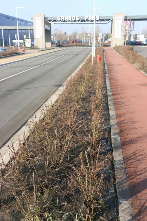 Les géotextiles anti-mauvaises herbes Weedtex sont idéals pour aménager les bords de routes