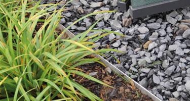 Arrêt de gravier pour toiture verte